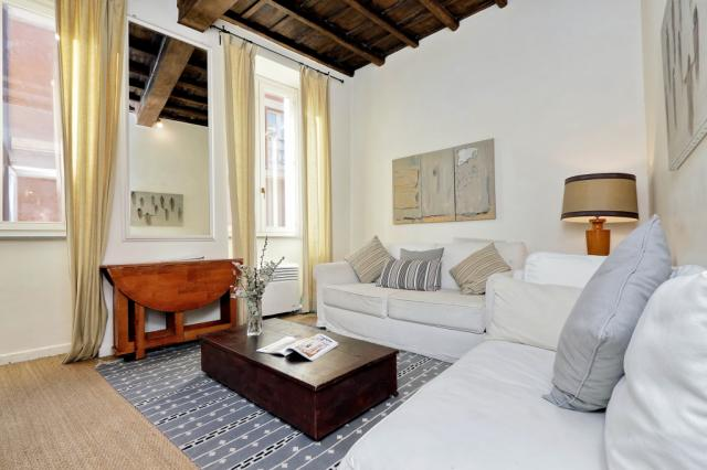 Trevi Charming Apartment